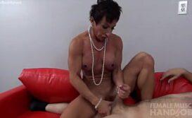 Lesbica Seduzindo Novinha